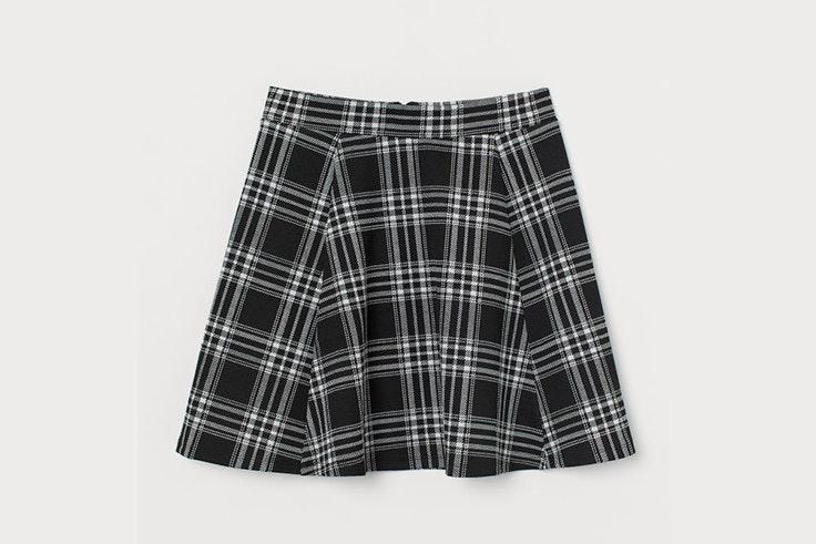 Mini falda de cuadros en colores blanco y negro de H&M